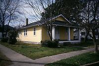 1998 March 17..Conservation.Ballentine Place..BEFORE REHAB.2701 GRANDY AVENUE...NEG#.NRHA#..