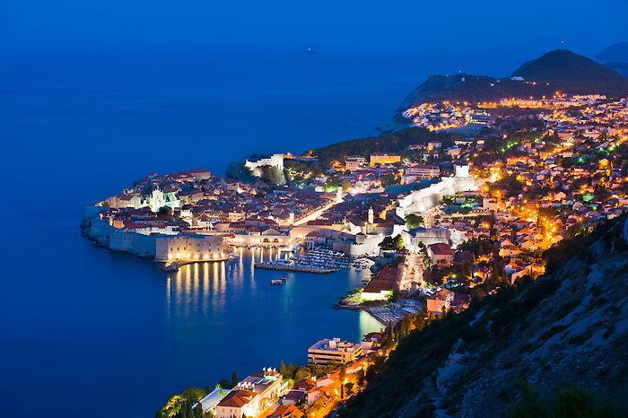 [Image: Photo-of-Dubrovnik-Old-Town-at-night-tak...roatia.jpg]