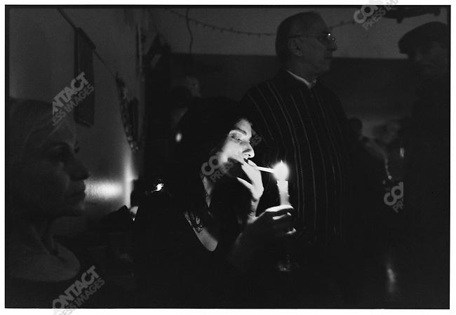 2:30 a.m., La Viruta, Buenos Aires, Argentina, July 1997