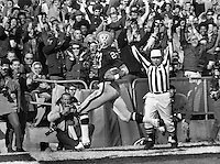 Oakland Raiders Charlie Smith scored TD. (1969 photo by Ron Riesterer)