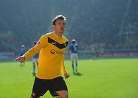Fussball 2. Bundesliga Saison 2011/2012 13. Spieltag Dynamo Dresden - Karlsruher SC Zlatko DEDIC (Dynamo) jubelt nach seinem verwandelten Strafstoss zum Tor zum 1:0.