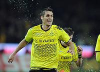 FUSSBALL   1. BUNDESLIGA   SAISON 2011/2012   23. SPIELTAG Borussia Dortmund - Hannover 96                        26.02.2012 Sebastian Kehl (Borussia Dortmund) freut sich nach dem Abpfiff