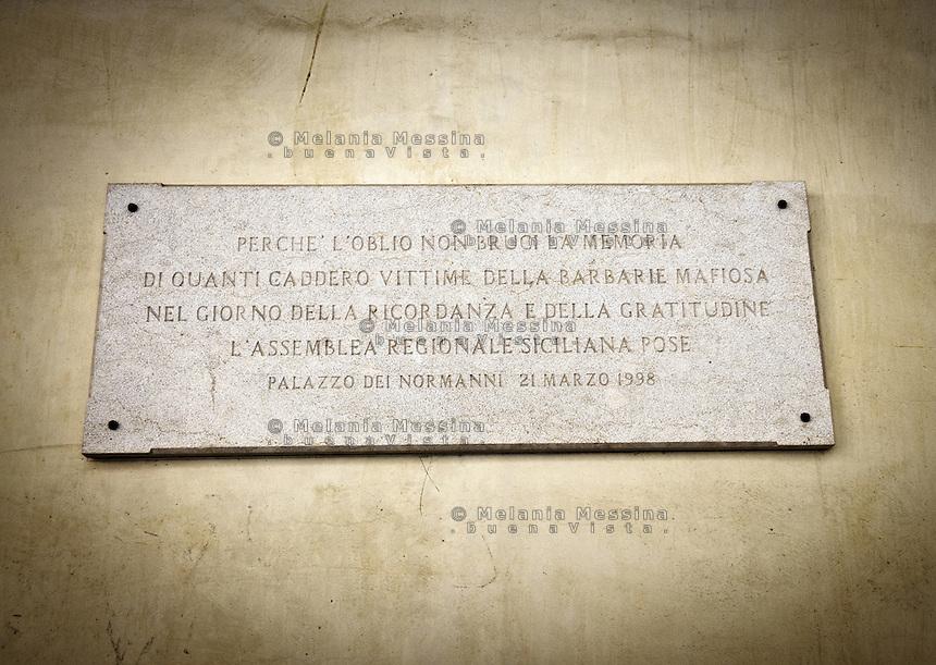 Palermo, Assemblea regionale siciliana.<br /> Palermo,Palazzo dei Normanni, the historic building hosting the Sicilian Parliament, a headstone to commemorate mafia victims.