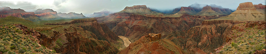 A Panoramic image of the Colorado River and the Middle Granite Gorge, taken from Tipoff Point on the South Kaibab Trail.