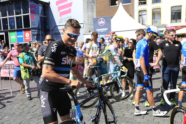 Nicolas Roche (IRL) Team Sky at sign on before the start of Stage 3 of the 2016 Giro d'Italia running 190km from Nijmegen to Arnhem, The Nethrerlands. 8th May 2016.<br /> Picture: Eoin Clarke | Newsfile<br /> <br /> <br /> All photos usage must carry mandatory copyright credit (&copy; Newsfile | Eoin Clarke)