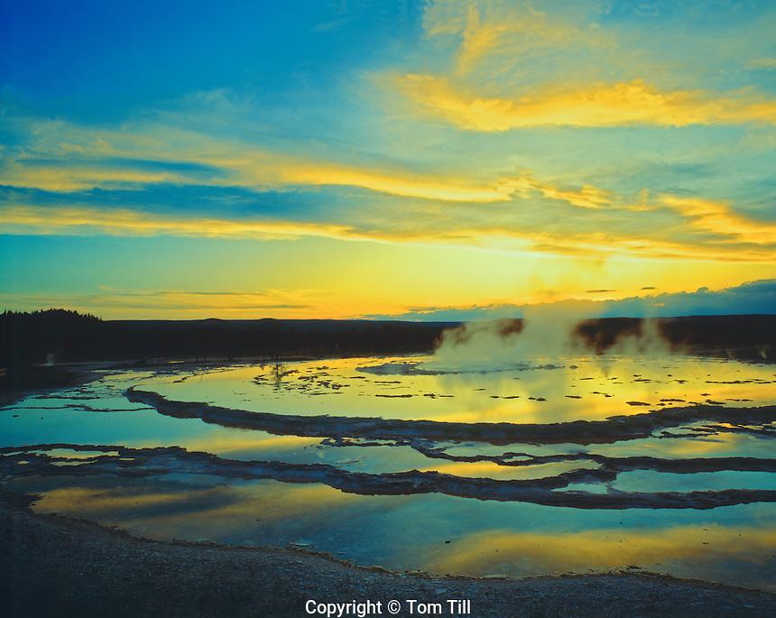 Great Fountain Geyser, Yellowstone National Park, Wyoming
