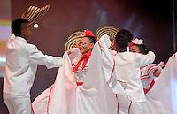 BARRANQUILLA-COLOMBIA- 11-02-2017: Grupo Tambores del Atlántico participante en La Fiesta de Danzas y Cumbias del Carnaval de Barranquilla 2016 invita a todos los colombianos a contagiarse del Jolgorio general encabezado por su reina Marcela Garcia Caballero. Este desorden organizado dará la oportunidad de apreciar a propios y extraños el desfile de danzas, disfraces y hacedores del carnaval que la convierten en una de las festividades más importantes del país y que se lleva a cabo hasta el 9 de febrero de 2016. / Tambores del Atlántico group paticipant of The party of Dances and Cumbias of Carnaval de Barranquilla 2016 invites all Colombians to catch the general reverly led by their Queen Marcela Garcia Caballero. This organized disorder gives the oportunity to appreciate, by friends and strangers, the parade of dancers, customes and carnival makers that make it one of the most important festivals of the country and take place until February 9, 2016.  Photo: VizzorImage / Alfonso Cervantes / Cont