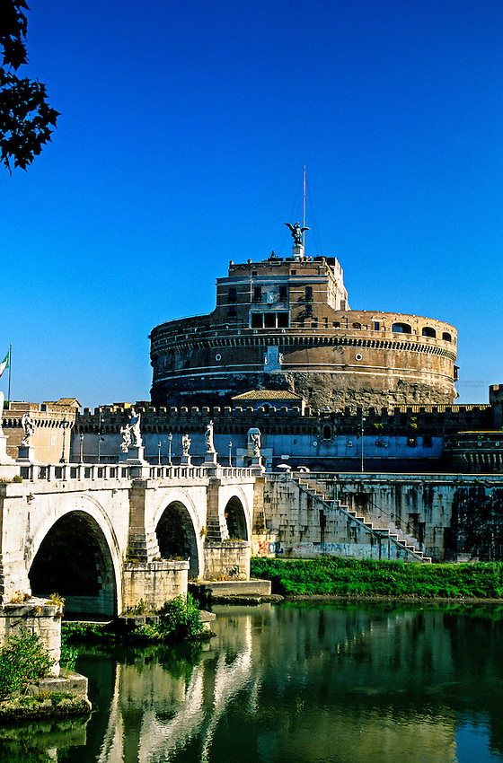 Ponte Sant' Angelo (bridge) and Castel Sant' Angelo, Rome, Italy