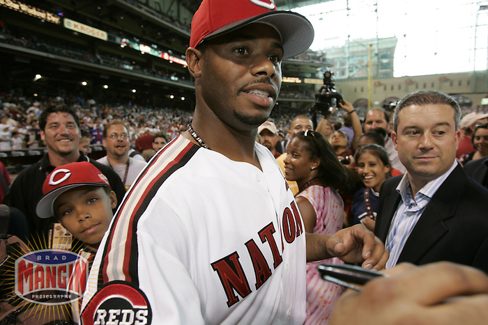 Ken Griffey Jr. and family. Baseball: 2004 All Star Game Home Run Derby. Houston, TX 7/8/2004 MANDATORY CREDIT: Brad Mangin