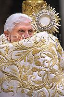 Te Deum prayer in St Peter's Basilica at the Vatican Benedict XV December. 31, 2008