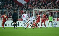 FUSSBALL  DFB POKAL       SAISON 2012/2013 FC Bayern Muenchen - 1 FC Kaiserslautern  31.10.2012 (v.li.) Enis Hajri (1. FC Kaiserslautern) gegen Mohamadou Idrissou (1. FC Kaiserslautern)  gegen Javi , Javier Martinez (FC Bayern Muenchen) gegen Claudio Pizarro (FC Bayern Muenchen)