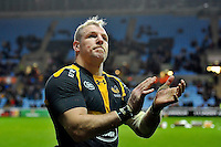 James Haskell of Wasps acknowledges the crowd after the match. Aviva Premiership match, between Wasps and Gloucester Rugby on November 8, 2015 at the Ricoh Arena in Coventry, England. Photo by: Patrick Khachfe / Onside Images