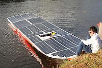 ALGEMEEN: DRACHTEN: 30-06-2014, Solar Challenge, Clafis Ingenieus Private Energy boot, ©foto Martin de Jong