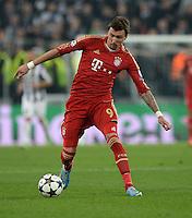 FUSSBALL  CHAMPIONS LEAGUE  VIERTELFINALE  RUECKSPIEL  2012/2013      Juventus Turin - FC Bayern Muenchen        10.04.2013 Mario Mandzukic (FC Bayern Muenchen) Einzelaktion am Ball
