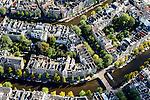 Nederland, Noord-Holland, Amsterdam, 27-09-2015; Grachtengordel met Keizergracht en Herengracht, de dwarsgracht rechst is de Leidsegracht.<br /> Crossing canals in Amsterdam belt of canals.<br /> <br /> luchtfoto (toeslag op standard tarieven);<br /> aerial photo (additional fee required);<br /> copyright foto/photo Siebe Swart