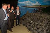 """Officiële opening expositie """"Kijk over de dijk"""" in Natuurcentrum Ameland"""