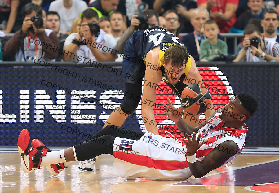 Kosarka Euroleague season 2015-2016<br /> Euroleague <br /> Crvena Zvezda v Fenebahce Istanbul<br /> Jan Vesely and Quinci Miller (R)<br /> Beograd, 06.11.2015.<br /> foto: Srdjan Stevanovic/Starsportphoto &copy;