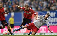 FUSSBALL   1. BUNDESLIGA   SAISON 2012/2013    34. SPIELTAG Hamburger SV - Bayer 04 Leverkusen                      18.05.2013 Andre Schuerrle (Bayer 04 Leverkusen) gegen Dennis Diekmeier (re, Hamburger SV)