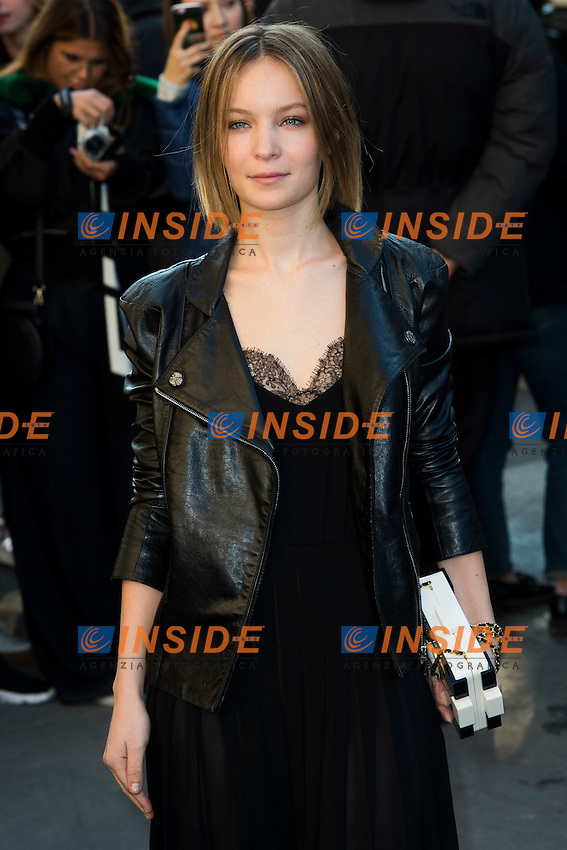 Diane Roussel Chanel s fashion show arrivals - Paris - 04/10/2016 <br /> Foto Panoramic / Insidefoto