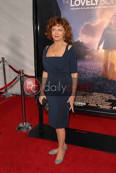 Susan Sarandon<br /> at the Los Angeles Premiere of &quot;The Lovely Bones,&quot; Chinese Theater, Hollywood, CA. 12-07-09<br /> David Edwards/Dailyceleb.com 818-249-4998
