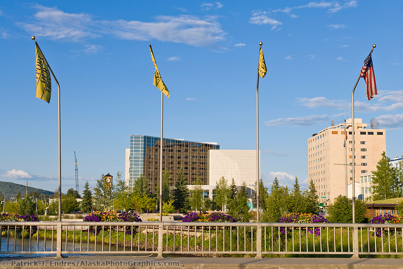The bridge in downtown Fairbanks overlooks the Chena River and the Golden Heart Plaza, Fairbanks, Alaska.