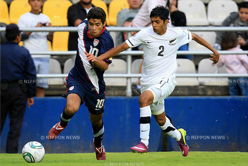 Alejandro Guido (USA), Harshae Raniga (NZL), JUNE 25, 2011 - Football : 2011 FIFA U-17 World Cup Mexico Group D match between United States 0-0 New Zealand at Estadio Hidalgo in Pachuca, Mexico. (Photo by MEXSPORT/AFLO)