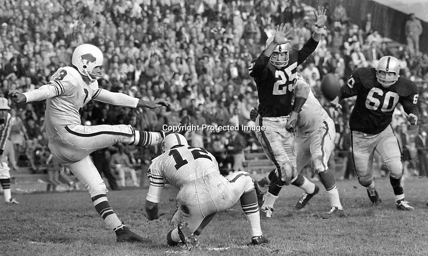 Oakland Raiders vs Buffalo <br />