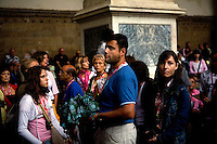 Tourists in Piazza Signoria at the Loggia dei Lanzi, Florence, Italy, Europe, 2007, © Stephen Blake Farrington