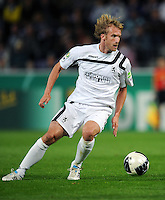 FUSSBALL   DFB POKAL   SAISON 2011/2012  1. Hauptrunde VfL Osnabrueck - TSV 1860 Muenchen                29.07.2011 Daniel BIEROFKA (1860 Muenchen) Einzelaktion am Ball