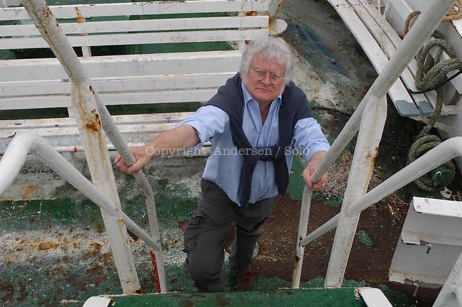 Redmond O Hanlon, English writer in Saint Malo in 2004.