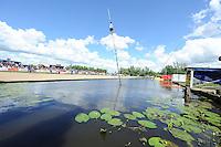 FIERLJEPPEN/POLSSTOKVERSPRINGEN: POLSBROEKERDAM: Tweekamp Holland-Friesland, Holland wint met een verschil van 7.02 meter (395.37) tegen Fryslân (388.35), Niels Koetsier namens Friesland in actie, ©foto Martin de Jong