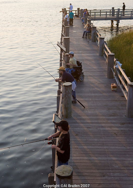 Fishing on the connecticut river along walkway at amtrak for Ct fishing license online