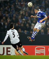 FUSSBALL   EUROPA LEAGUE   SAISON 2011/2012  SECHZEHNTELFINALE FC Schalke 04 - FC Viktoria Pilsen                          23.02.2012 Michal Duris (li, Pilsen) gegen Kyriakos Papadopoulos (re, FC Schalke 04)