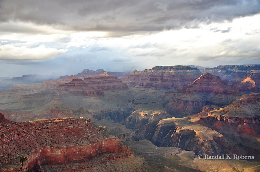 Stormy sunset over Grand Canyon from Yavapai Point, Arizona