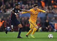 FUSSBALL CHAMPIONS LEAGUE  SAISON 2015/2016 VIERTELFINAL RUECKSPIEL Atletico Madrid - FC Barcelona       13.04.2016 Lionel Messi (re, Barca) gegen Augusto Fernandez (li, Atletico Madrid)