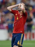 FUSSBALL  EUROPAMEISTERSCHAFT 2012   HALBFINALE Portugal - Spanien                  27.06.2012 Andres Iniesta (Spanien) enttaeuscht
