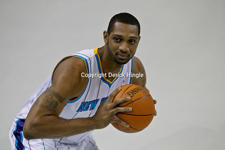 - DEH-Hornets-Darryl-Watkins-071