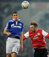 FUSSBALL   1. BUNDESLIGA   SAISON 2011/2012   20. SPIELTAG FC Schalke 04 - FSV Mainz 05                                  04.02.2012 Kyriakos Papadopoulos (li, FC Schalke 04) gegen Jan Kirchhoff (re, Mainz)