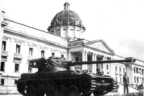 El Palacio Nacional fue protegido por tanques