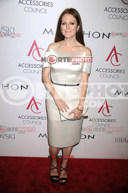 NEW YORK, NY - NOVEMBER 5: Julianne Moore at the 16th Annual ACE Awards presented by the Accessories Council at Cipriani 42nd Street on November 5, 2012 in New York City. Credit: mpi01/MediaPunch inc. /NortePhoto .<br /> &copy;NortePhoto