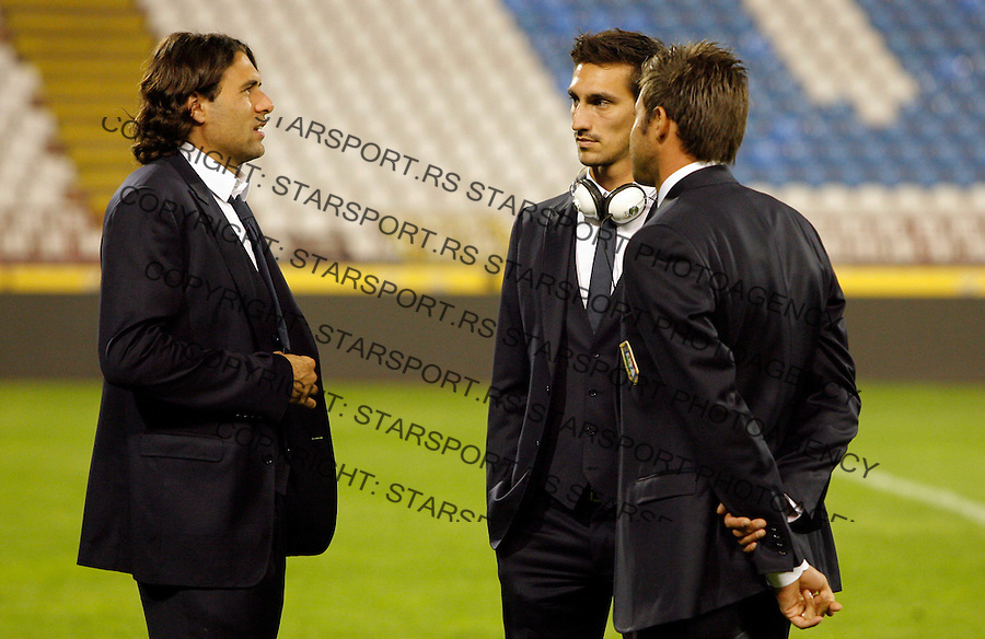 Salvatore Sirigu and Italian national football team players walk around Red Star stadium where group C UEFA EURO 2012 qualifying match Serbia vs Italy will be played tomorrow in Belgrade, Serbia, Thursday, October 06, 2011. (photo: Pedja Milosavljevic)
