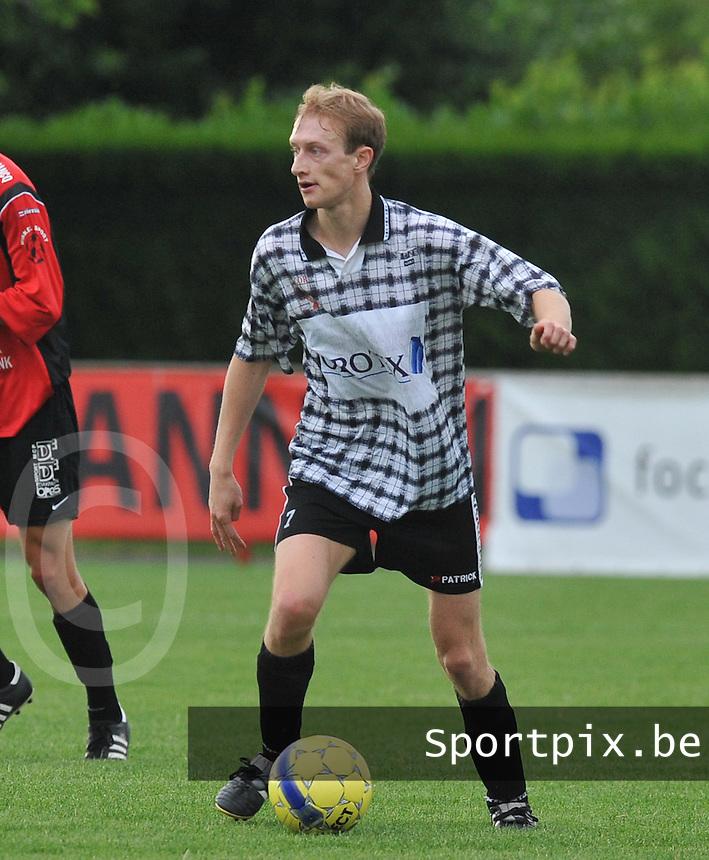 SC Oostrozebeke : Dieter Moenens.foto  VDB / Bart Vandenbroucke