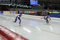 SPEED SKATING: INZELL: 04-12-2015, Max Aicher Arena, ISU World Cup, 500m Ladies, Brittany Bowe (USA), Sang-Hwa Lee (KOR), ©foto Martin de Jong