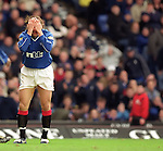 Andrei Kanchelskis holds his head in his hands after another horror miss