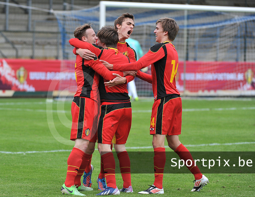 Belgium U19 - England U19 : Thomas Foket (7) celebrates his goal for Belgium 1-0 with his teammates.foto DAVID CATRY / Nikonpro.be