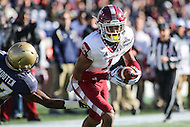 Annapolis, MD - December 3, 2016: Temple Owls wide receiver Ventell Bryant (1) in action during game between Temple and Navy at  Navy-Marine Corps Memorial Stadium in Annapolis, MD.   (Photo by Elliott Brown/Media Images International)