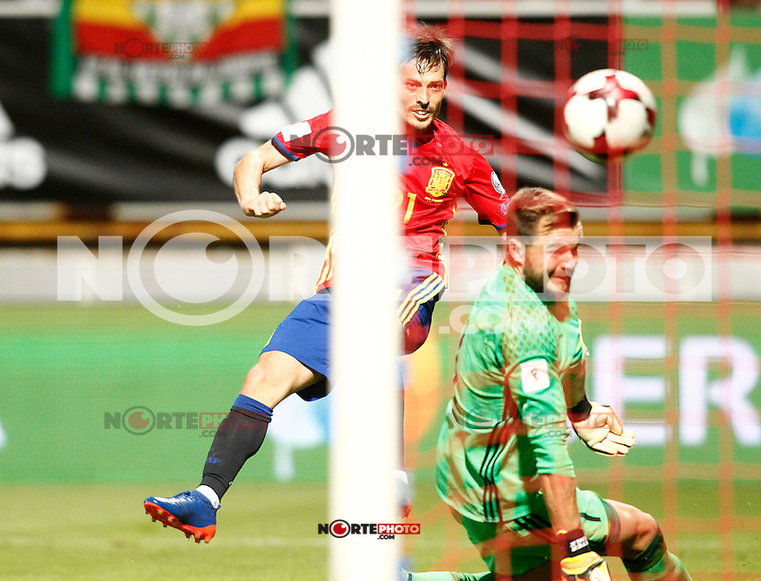 Spain's David Silva (l) and Liechtenstein's Peter Jehle during FIFA World Cup 2018 Qualifying Round match. September 5,2016.(ALTERPHOTOS/Acero) /NORTEPHOTO