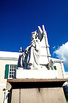 Bahamas: Nassau: Queen Elizabeth statue.  Photo: bahama103.Photo copyright Lee Foster, 510/549-2202, lee@fostertravel.com, www.fostertravel.com