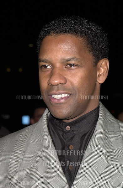 "14DEC99: Actor DENZEL WASHINGTON at the world premiere, in Los Angeles, of his new movie ""The Hurricane""..© Paul Smith / Featureflash"