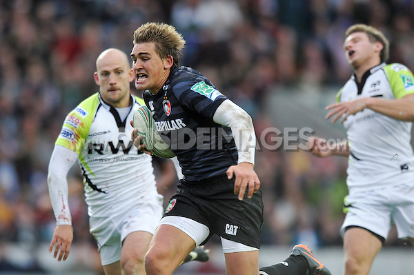 Toby Flood runs in a try. Heineken Cup match, between Leicester Tigers and the Ospreys on October 21, 2012 at Welford Road in Leicester, England. Photo by: Patrick Khachfe / Onside Images